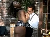 Cheeky ebony girl takes mighty dick in ass outdoor